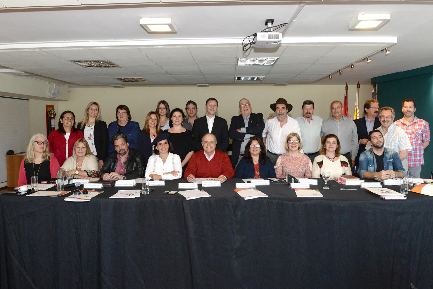 Directores de cultura y equipo de DNC- MEC